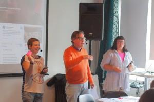 Lotta, Niklas och Maria inför diskussionerna. (Foto Sina Farhat)